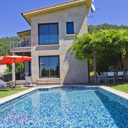 alquilar-casa-playa-rias-baixas-casa-piscina